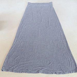 size S - Dalia - grey striped skirt